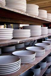 800px-Unglazed_plates